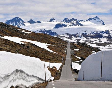 Sognefjellsveien mountain road, mid June