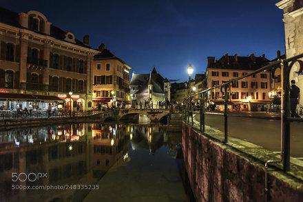 Vita notturna ad Annecy