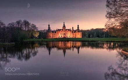 Peaceful castle of Ooidonk