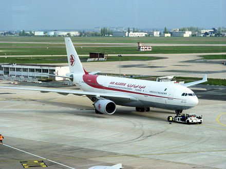 Air Algérie A330-200 7T-VJW @ ORY