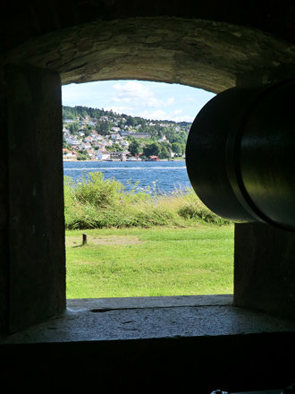 Oscarsborg cannon, view towards Drøbak