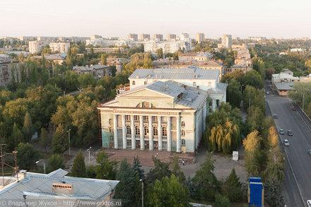 Здание бывшего ДК им. Ленина