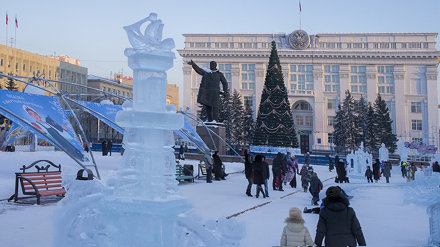 Kemerovo, December,  Ice figure in the city square