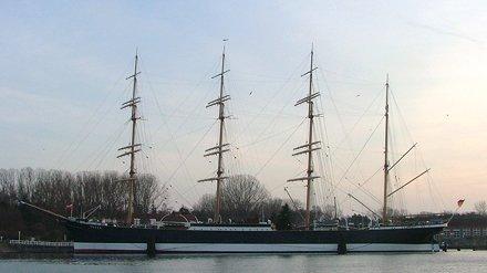 Travemunde: Sailing Ship Passat