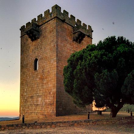 #castle #medieval #architecture #dusk #pinhel