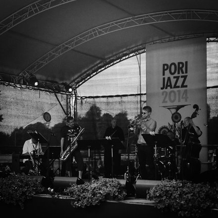 Time to listen some #jazz @porijazz