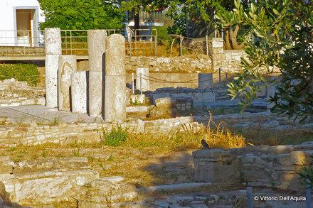 Pythagoreon, resti nel Museo Archeologico con civetta