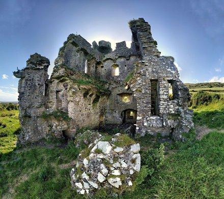 Rahinnane Castle short lens effect picture, Dingle Peninsula