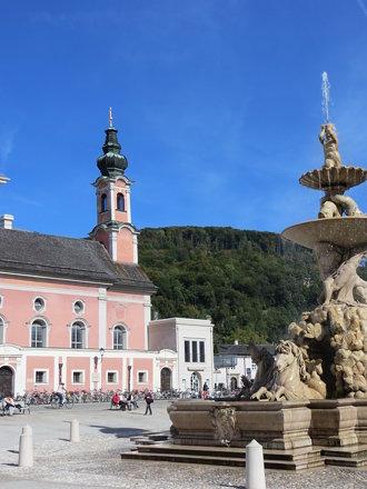 Residenzplatz Fountain in old town - Salzburg, Austria