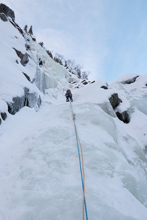 Becky leading her first ice pitch on Trappfoss
