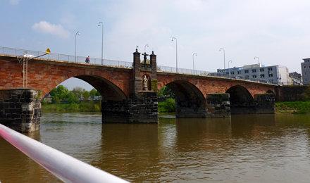 2013 05 04  Fluß Mosel +  Römerbrücke Stadt Trier
