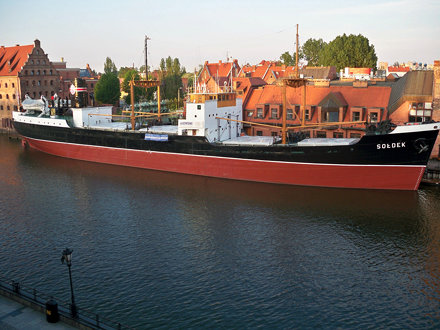 SS Soldek.
