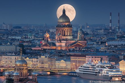 Moon over Isaac's Cathedral