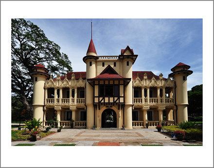 Sanam Chandra Palace, Nakhorn Pathom, Thailand. May 2013.