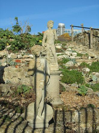 Sandgate - Venus and David