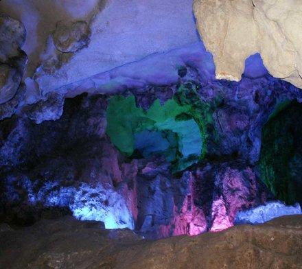 Underjordisk hule i Guilin - der var fine farver