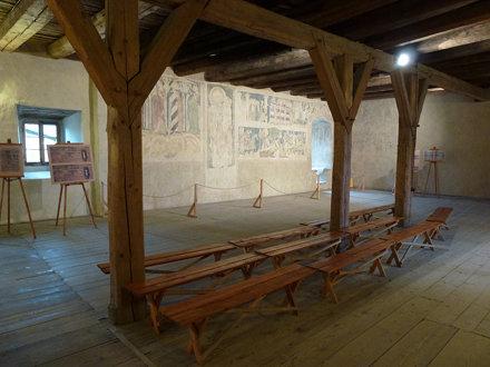 Dekoracja malarska na drugiej kondygnacji wieży rycerskiej w Siedlęcinie