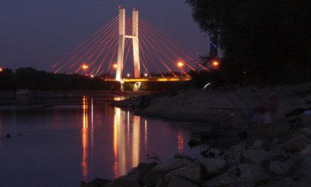 Siekierkowski bridge and anglers