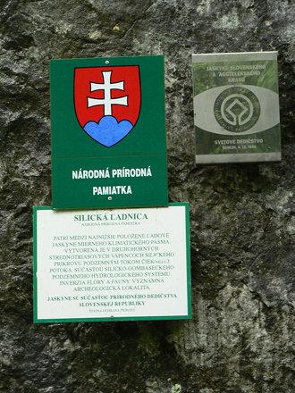 Unesco sign - Silická l'adnica jaskyna - 226