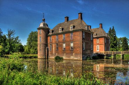 Doetinchem NL - Schloss Slangenburg 01