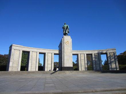 Berlin - Soviet Soldiers' Memorial (Sowjetisches Ehrenmal)