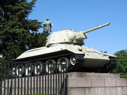 Soviet War Memorial, Tiergarten