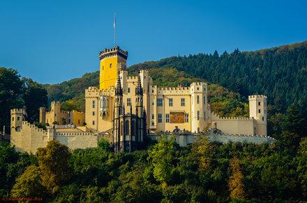 Schloss Stolzenfels südlich von Koblenz im Mittelrheintal