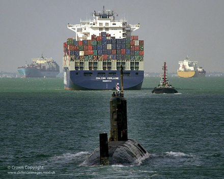 HMS TRIUMPH  30/11/01