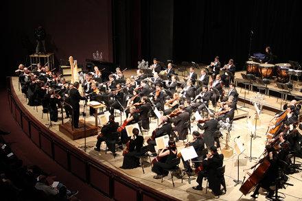 Orquestra Sinfônica do Paraná em Concerto Didático, sob a regência do Maestro Paulo Torres