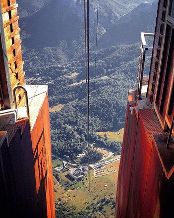 Fuente Dé (1070 m.) desde la cota superior del teleférico (1824 m.) Una visita imprescindible