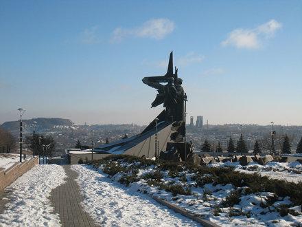 Памятник. Monument.