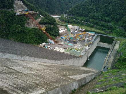 At 徳山ダム