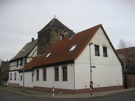 um 1200 Magdeburg romanischer Wohnturm aus Quarzitbruchstein vermutlich der Ritter von Rothensee Tur