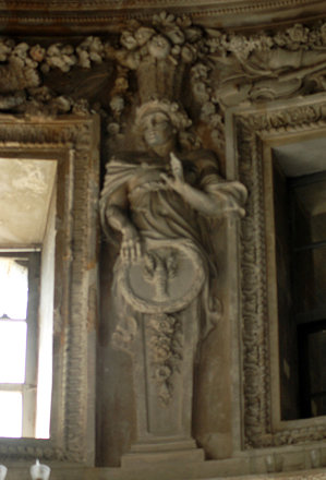 2010.08.22.099 VAUX-le-VICOMTE - Salon ovale - Termes scultés par François Girardon -