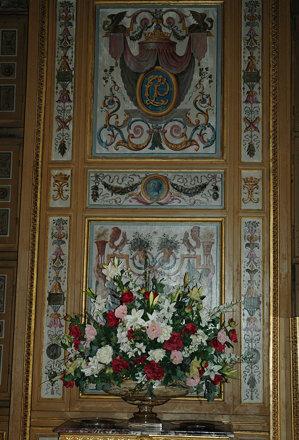 2010.08.22.126 VAUX-le-VICOMTE - La salle à manger - Présentation florale