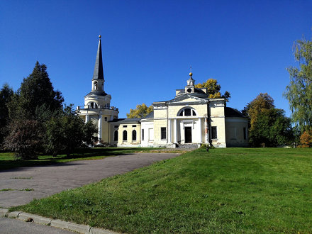 "Walking Around Landscape Architecture Church at Санаторий ""Звенигород"""