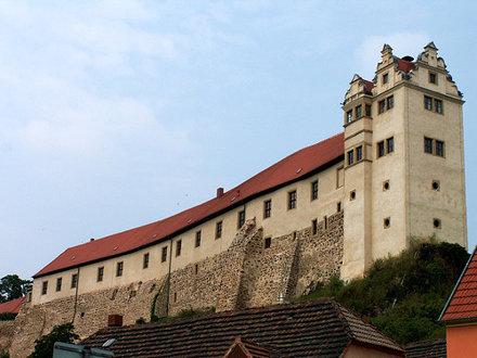 Burg Wettin - http://schloesser-um-dresden.de