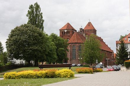 Bazylika św. Jerzego w Kętrzynie od strony prezbiterium