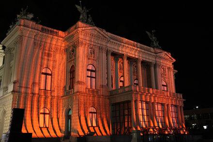 Lichtshow am Opernhaus, Light show at the opera